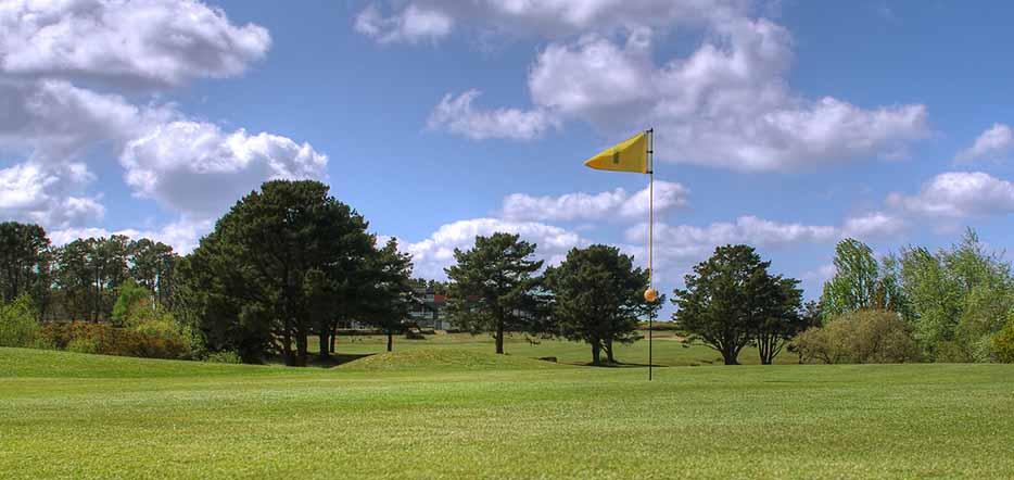 Du golf sur la Côte de Granit Rose
